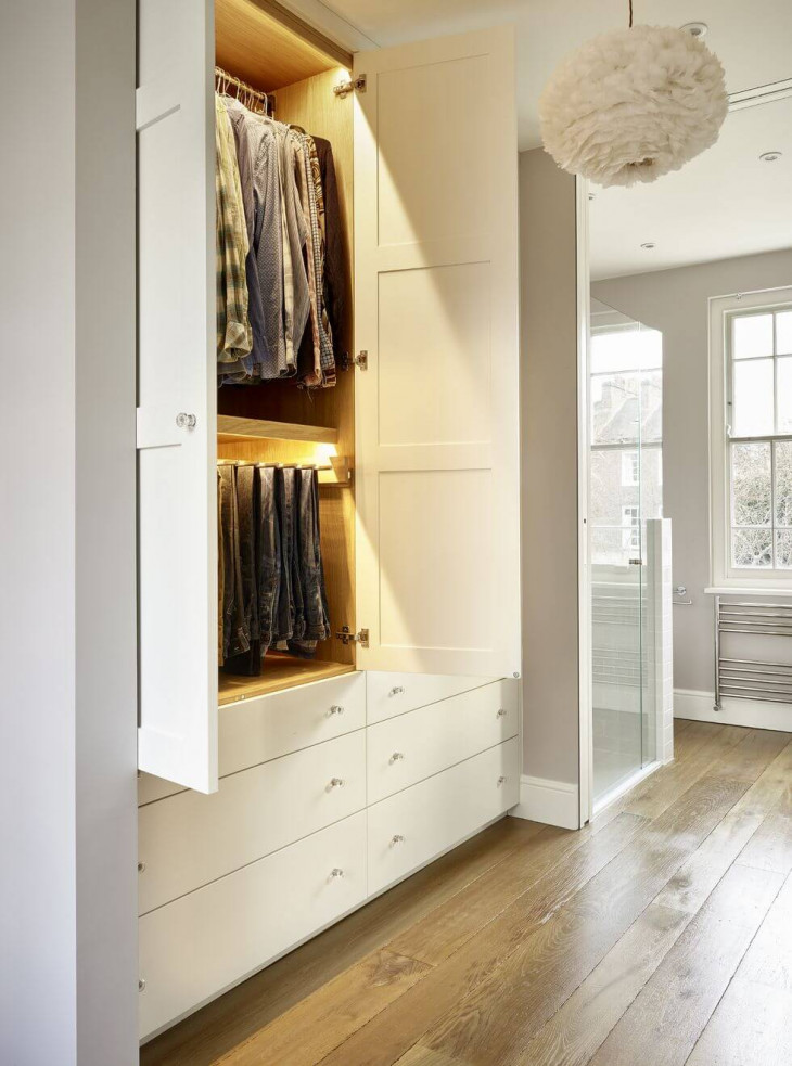 dressing hol mic dulapuri albe