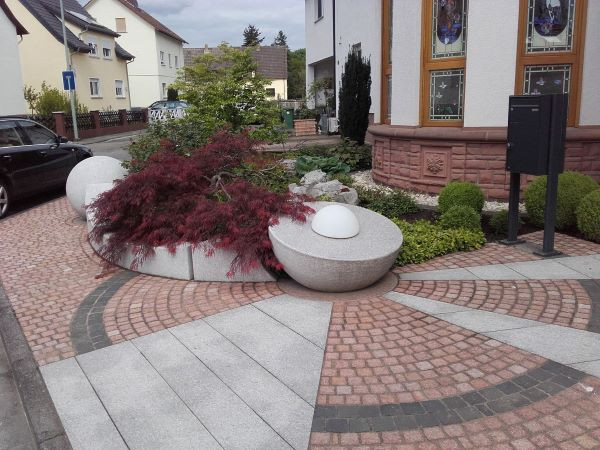 landscaping curte exterioara plante mozaic pavaj