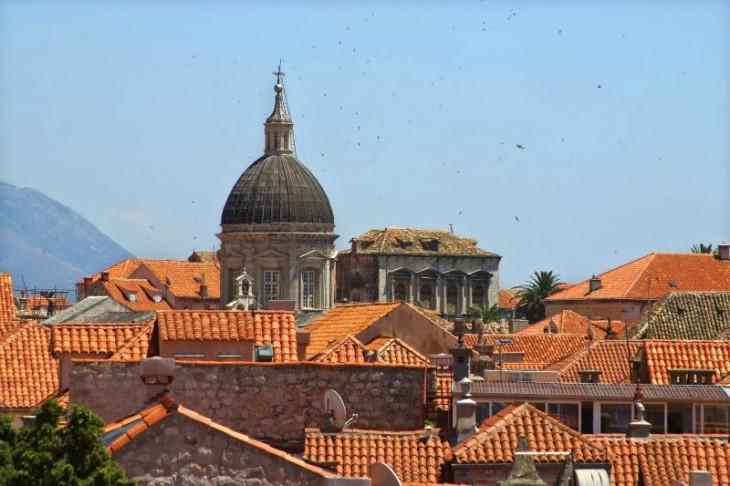 Dubrovnik tigla ceramica rosie