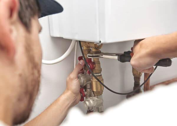 boiler instalator lucru tevi cupru