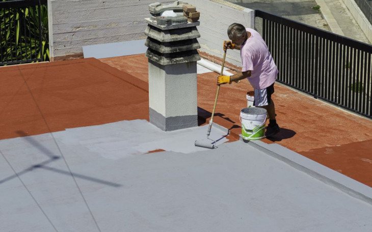 hidroizolare acoperis aplicare rasina acrilica