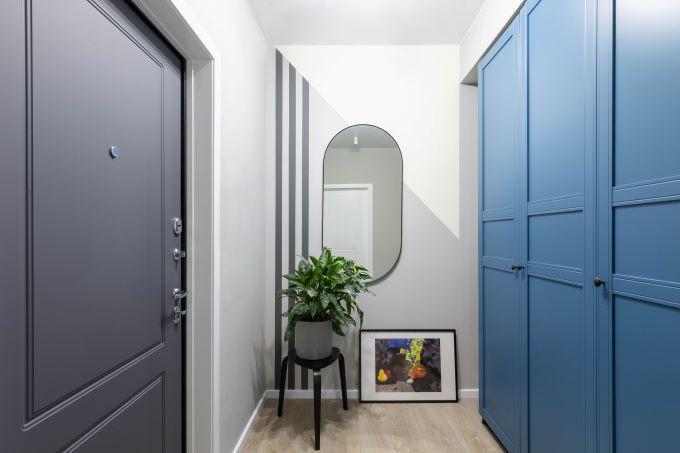 dressing hol albastru usi lemn masiv stil clasic