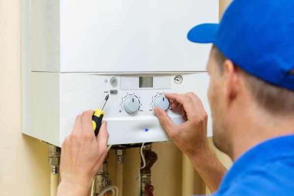 boiler instalator albastru