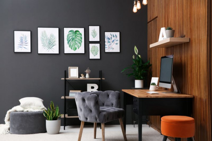 tablouri perete plante perete lemn perete negru birou